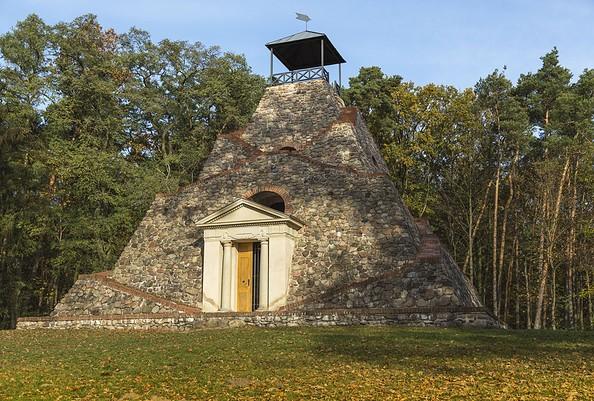 Pyramide Garzau, Foto: TMB-Fotoarchiv/Steffen Lehmann