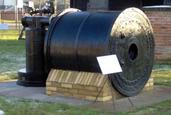 Technisches Denkmal Gaswerk Neustadt (Dosse) - Ausstellungsobjekt in der Außenanlage