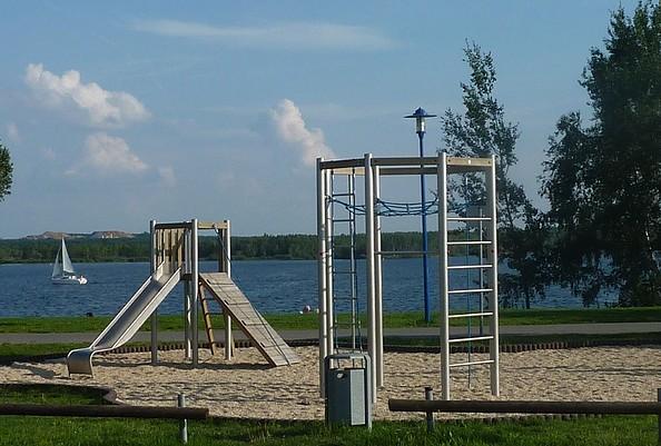 Spielplatz am Wohnmobilstellplatz Buchwalde © Zweckverband Lausitzer Seenland Brandenburg