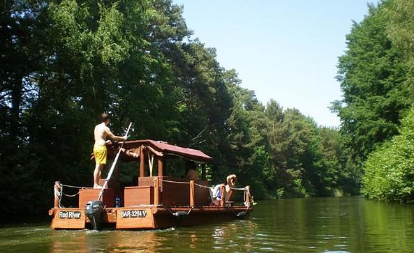 Mit dem Floß auf der Havel
