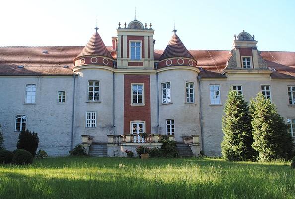 Außenansicht des Schlosses Meyenburg, Foto: Modemuseum Schloss Meyenburg