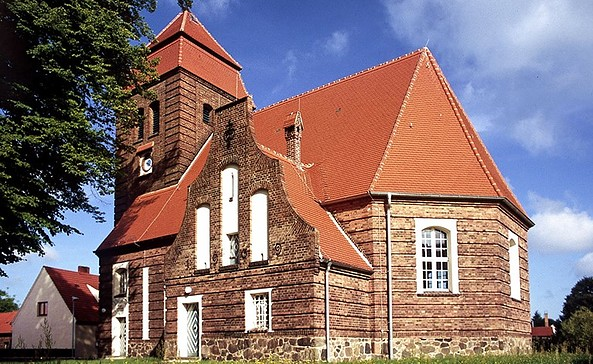 Kirche Pinnow, Foto: Katharina Riedel