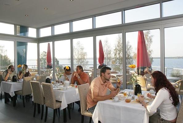 Restaurant im Strandhotel Senftenberger See, Foto: Steffen Rasche