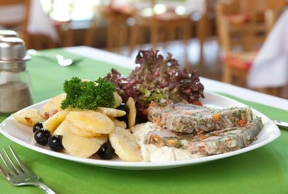 """Tellergericht Restaurant """"Alte Klosterschänke Chorin"""", Foto: Hotel Haus Chorin"""