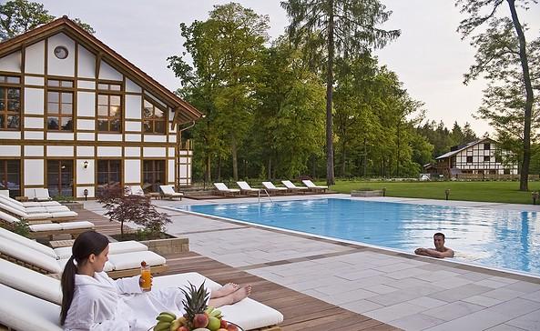 Außenpool im Brune Balance med & Spa, Foto: Gut Klostermühle