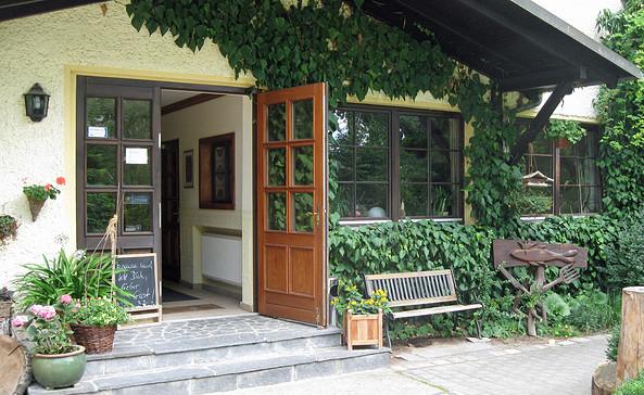 Eingang zum Café Jost, Foto: Andreas Jautze