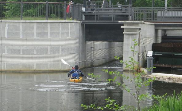 Wehr zum Mühlgraben - Fischpass, Foto: Melanie Fliege-Blossey