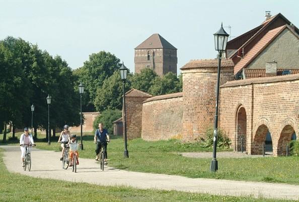 An der Wittstocker Stadtmauer, Foto: Studio Prokopy