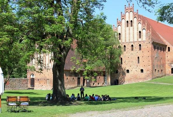 Schulbesuch im Kloster Chorin, Foto: Ulrike Schuhose