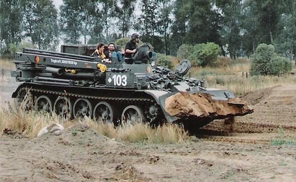 Panzerfunfahrschule, Foto: Jörg Heyse