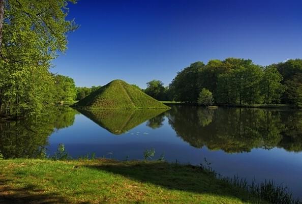 Pyramide im Branitzer Park, Foto: Rainer Weisflog