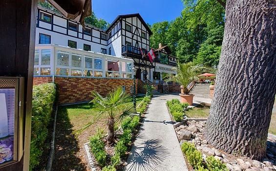"""Restaurant im Hotel """"Seeschloss"""""""