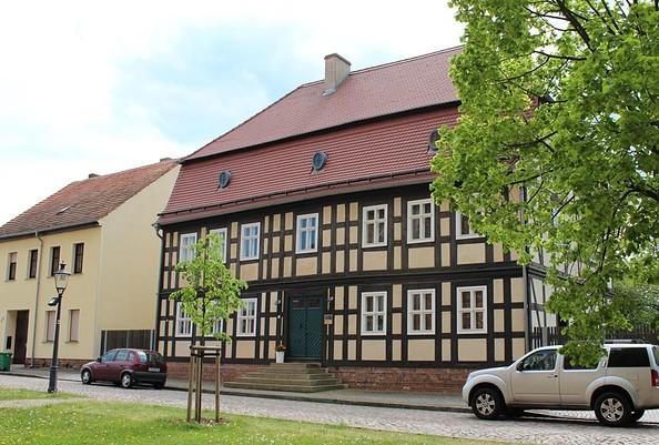 Baruth/Mark - denkmalgeschütztes Pfarrhaus, Foto: Tourismusverband Fläming e.V./A.Michel