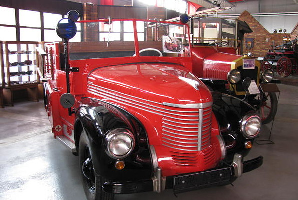 Feuerwehr- und Technikmuseum Eisenhüttenstadt, Mannschaftswagen Opel Kapitän