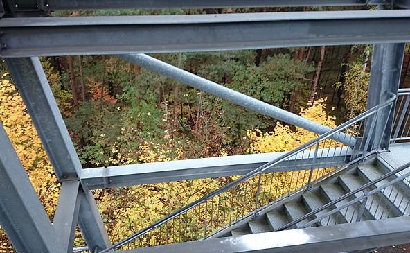 Aussichtsturm im Herbst, Foto: Zweckverband LSB