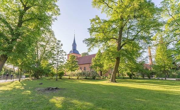 Kirche in Ribbeck, Foto: TMB-Fotoarchiv/Steffen Lehmann