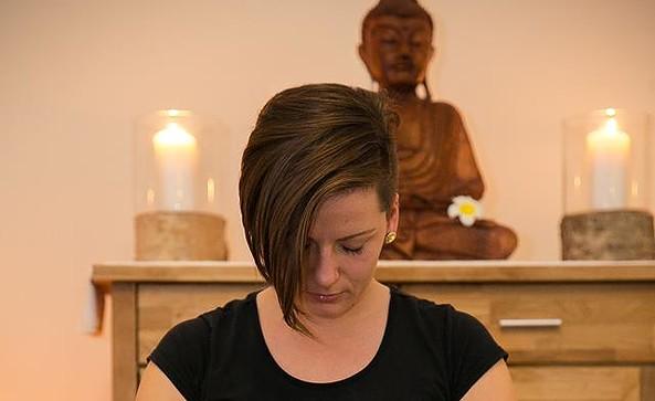 Massage von Kathleen Zurek, Foto: Susann Skiba Photographie