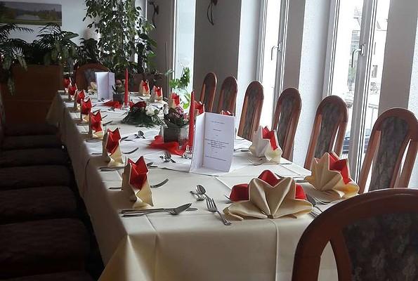 Gedeckte Tafel im Restaurant im Hotel Stadt Spremberg