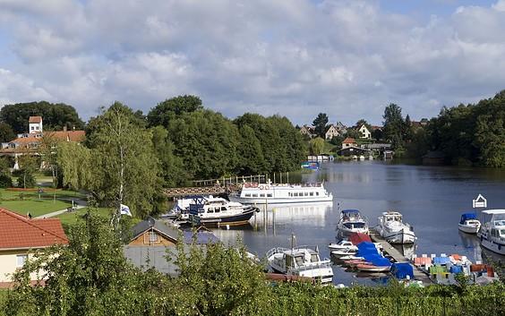 """Fahrgastschiff """"Uckermark"""" Reederei R. Ziem"""