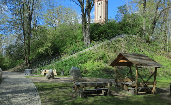 Schlossberg mit Aussichtsturm, Foto: S. Thuerling, Tourismusverein Naturpark Barnim