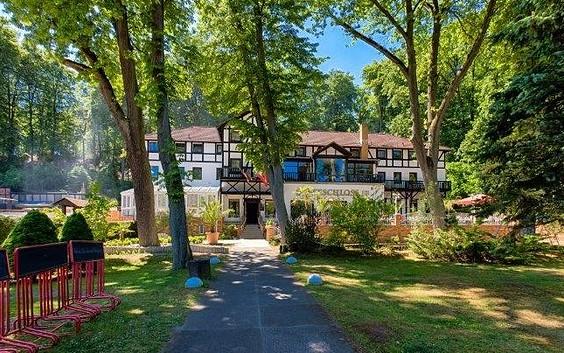 Hotel Seeschloss mit Hochzeitsvilla