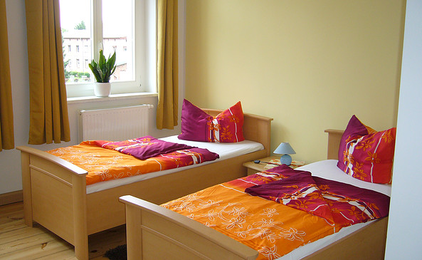 "Doppelbettzimmer, Foto: Hotel & Restaurant ""Oma´s Speisekammer"""