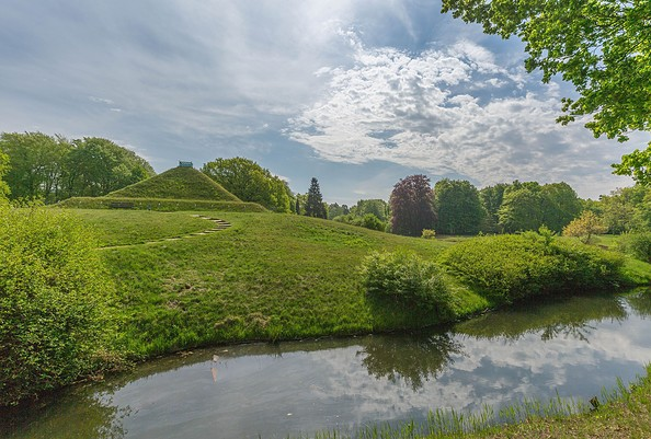 Pyramide im Schlosspark Branitz, Foto: TMB-Fotoarchiv/Steffen Lehmann