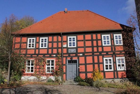 Reißigerhaus neben der Kirche, Foto: J. Wittig