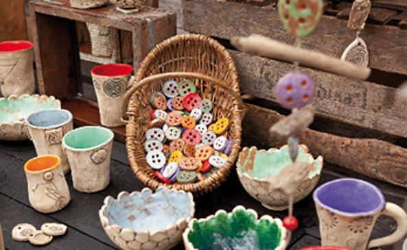 handgefertigte Produkte von KnoppTopp Keramik, Foto: Julia Otto