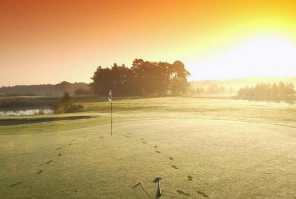 Sonnenaufgang am Golfplatz, Foto: GolfResort Semlin am See