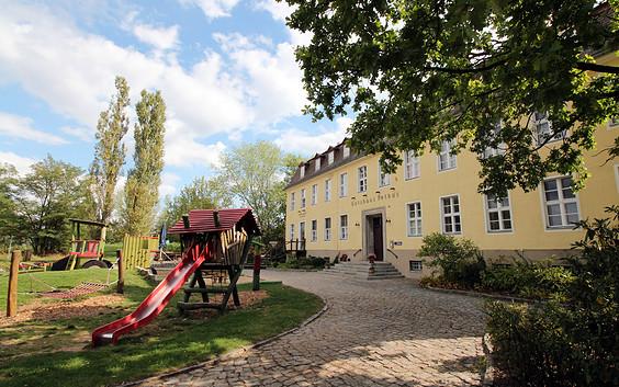 Familien- und Freizeithotel Gutshaus Petkus