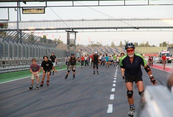 Auf dem Lausitzring sind auch Skater gern unterwegs, Foto: EuroSpeedway Verwaltungs GmbH