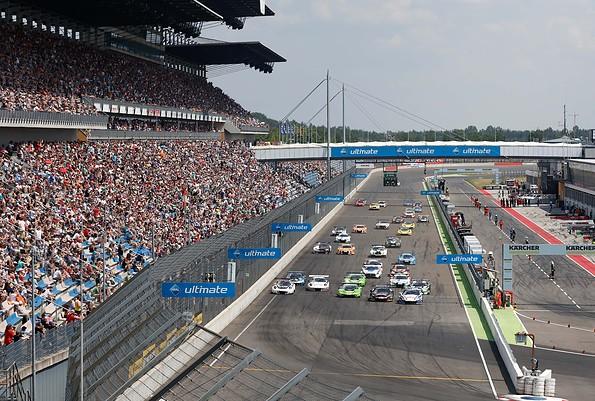 ADAC GT Masters auf dem Lausitzring, Foto: EuroSpeedway Verwaltungs GmbH, Uwe Reichhold