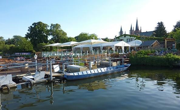 Blick vom See © Fischrestaurant Arielle