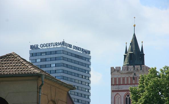 Der Oderturm und der Turm der Marienkirche, Foto: terra press Berlin
