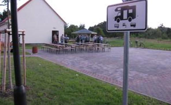 Wohnmobilstellplatz am Dorfgemeindehaus