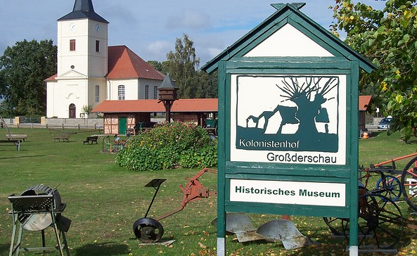 """Museum """"Kolonistenhof"""" Großderschau - Außengelände"""