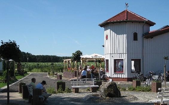 """Café-Restaurant """"Waldschlösschen"""" im Campingpark Buntspecht"""