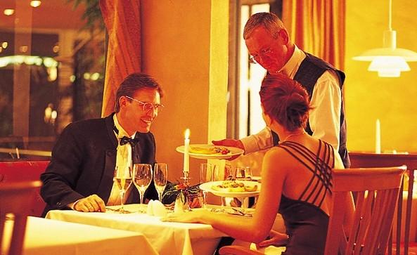 """Restaurant """"feines Brandenburger"""" - Seminaris SeeHotel Potsdam, Foto: Scheibe"""