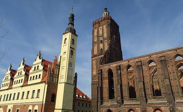 Altes Rathaus und Stadt- und Hauptkirche Gubin, Foto: terra press Berlin
