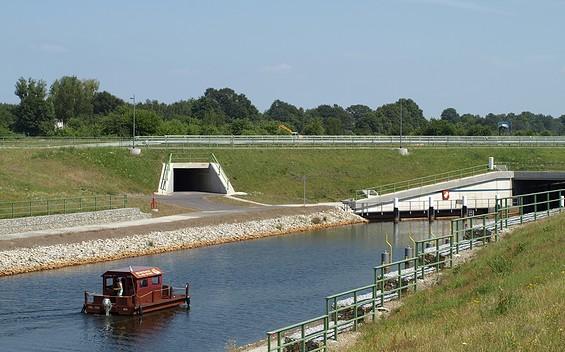 Floßtour durch das Lausitzer Seenland (die zukünftig größte von Menschenhand geschaffene Wasserlandschaft Europas)