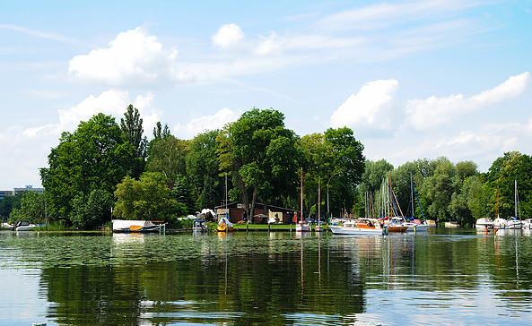 Potsdamer Seglerclub Wiking e.V. - liegt auf der Insel Obere Planitz © Christin Drühl