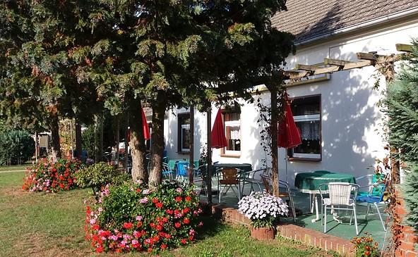 """Sonnenterrasse, Foto: Café """"Zum Kirschbaum"""""""