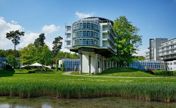 Außenansicht, Foto: Kongresshotel Potsdam am Templiner See