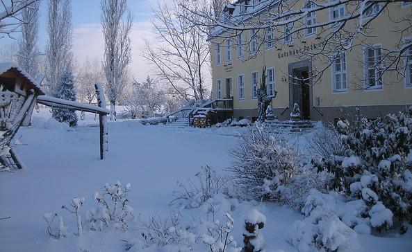 Gutshaus Petkus im Schnee