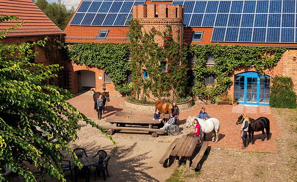 Reiterhof Groß Briesen im Sommer