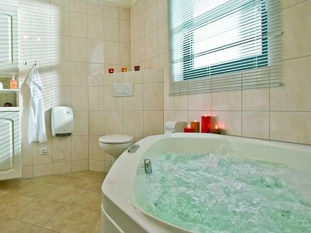 Badezimmer Whirlpool Nett : Schlosspark bad saarow seenland oder spree