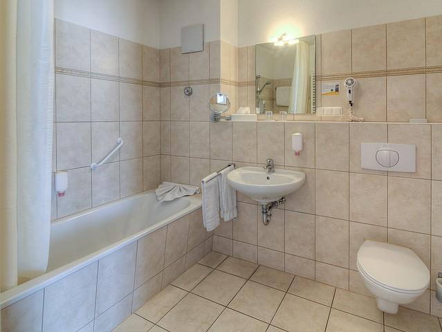 Appartement am See - Badezimmer