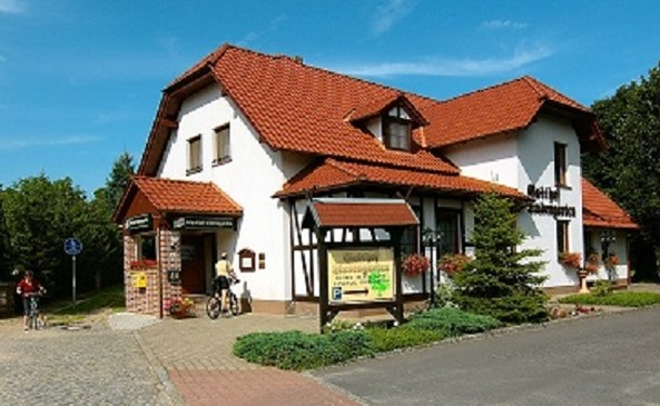"""Hotel-Restaurant """"Lindengarten"""""""