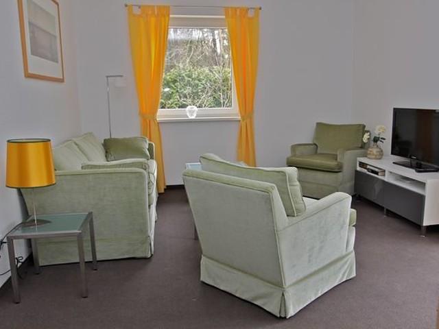 Terrasse 2 schlafzimmer wohnzimmer mit essbereich zusatzbett für kinder möglich komplett eingerichtete küche sowie bad mit bodengleicher dusche